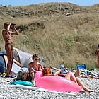http://macgallery.net/gal/sublime/unsbeach1/fkk/index6.shtml?beachpatrol