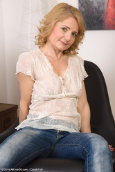 mom50 galleries allower30 mature-ladies-isabella-b