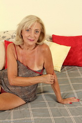 mom50 galleries allower30 older-women-kamilla