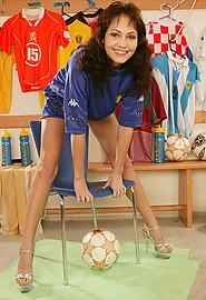 nshoneys hosted1 hh bio jennifer-max-super-hot-soccer-fan  php