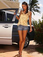 nshoneys hosted1 hh gals aiden-hot-car-better-babe  php