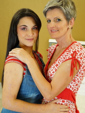 affiliates old-and-young-lesbians free custom_galleries 2880