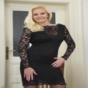 http://affiliates.mature.nl/free/x/track/5015/picture/146/42439