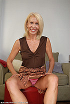 http://allover30free.com/mature/Erica/I8BR50/MP/