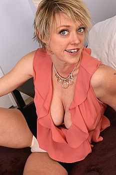 allover30free mature dee-williams-1527026002