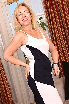 allover30free mature goddess-justine-1533067920