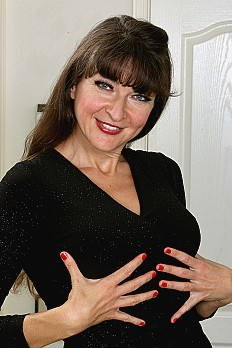 allover30free mature ivana-slew-1523390584