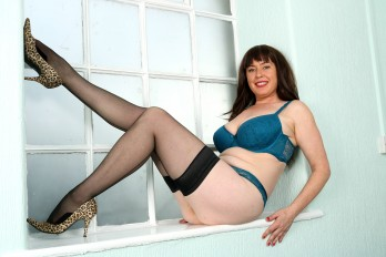 allover30free mature janey-1518652091