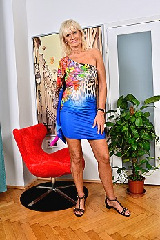 allover30free mature roxana-1534881049