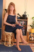 http://allover30women.com/galleries4/350-Allover30-Mature-Peggy-With-Nylon-Stockings-Pantyhose/ph.html