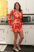 allover30women galleries3 248-Allover30-Mature-Hippie-Housewife-Busty-In-the-Kitchen ph