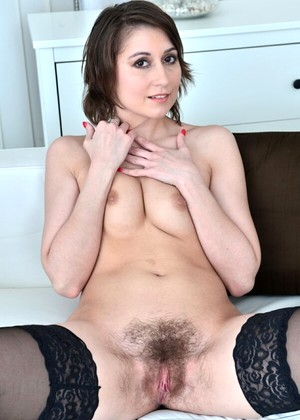 babe today mobile maturenl meggie-marika weekly-brunette-mobile-xxx