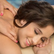 http://belleknox.newpornstarblogs.com/belle-knox-vanessa-veracruz-ariella-ferrera-fantasy-massage/