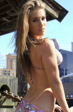 boobpedia boobs Nicole_Carver