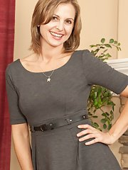 exclusivemilf pics spoiled-mature-melissa-rose-always-wanted-to-take-part-in-solo-action