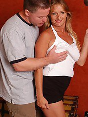 exclusivemilf pics mature-blonde-woman-vickie-having-saggy-boobs-popped-loose-before-sex