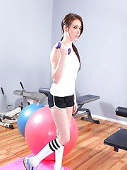 idealmilf galleries 2011-05-26 shapely-sports-babe-jazy-berlin-strips-to-knee-high-socks-in-the-gym