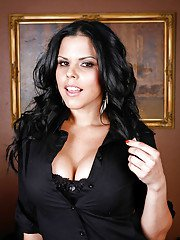 bigtitsmilf pics 2012-06-13 big-busted-latina-babe-diamond-kitty-stripping-off-her-clothes