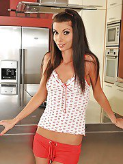 analpics pics 2012-01-08 amazing-babe-in-red-shorts-betty-stylle-fingering-her-butthole