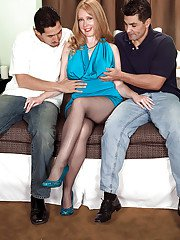 milfbank pictures 2012-03-07 mature-lady-in-pantyhose-heather-barron-is-into-groupsex-with-horny-guys