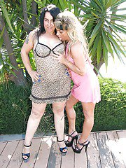 exclusivemilf pics naughty-mature-lassies-on-high-heels-have-some-pussy-licking-fun