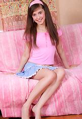 http://free.smackmybitch.com/models/Mila2/anal-fucked-teen/pics/index.php?id=bravo