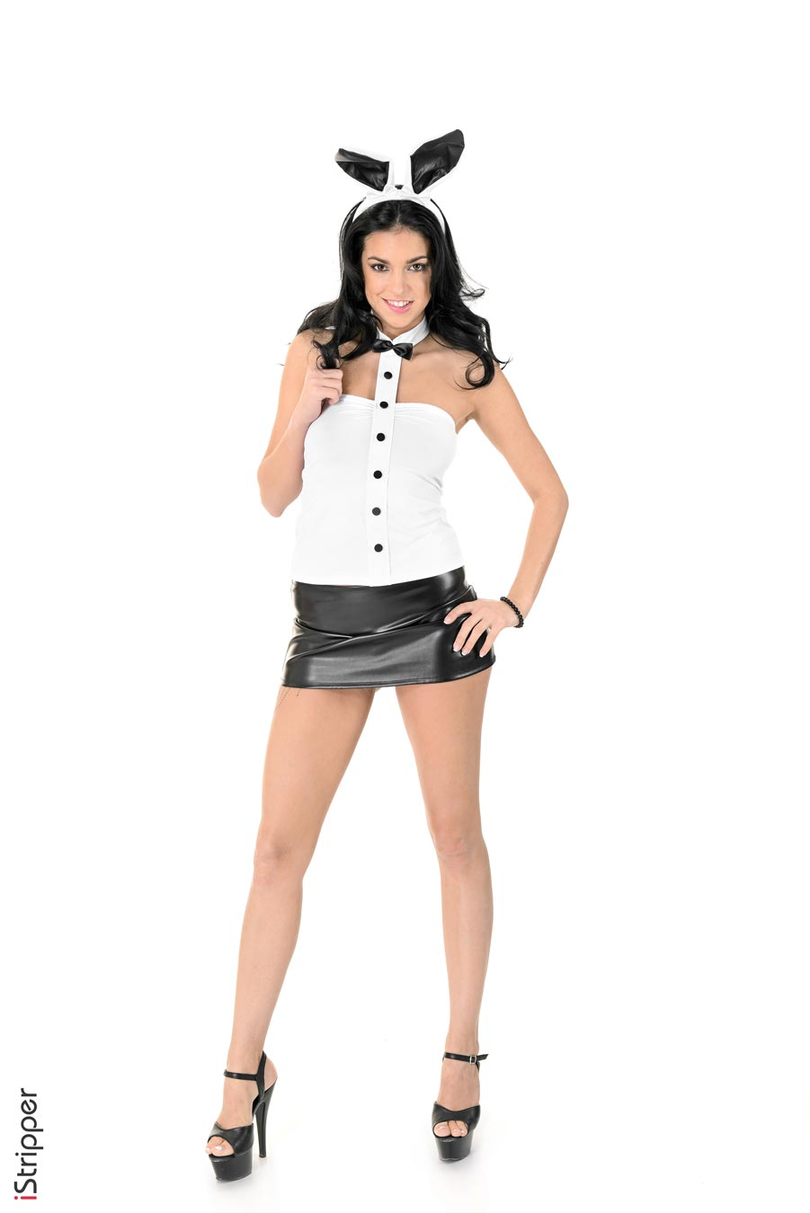 gyrls foxxi-black-in-a-leather-mini-skirt