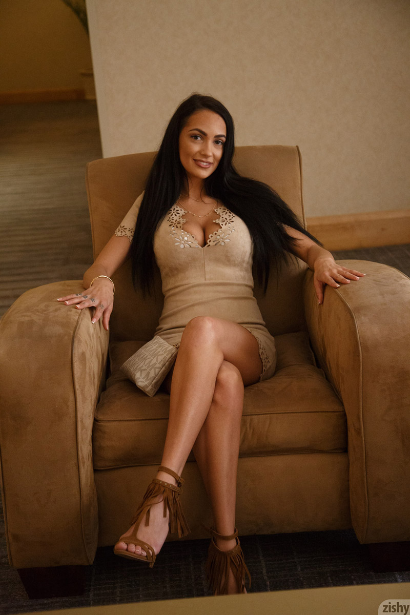 gyrls sofi-ryan-leggy-firm-brunette-in-a-dress
