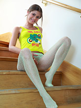 babesfarm caprice gal05_stairs04