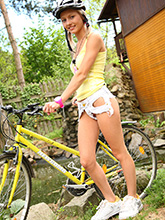babesfarm pinkyjune solo bicycle03