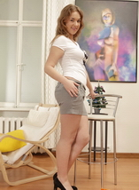 http://firstanalquest.com/galleriespics/02tonya_ph_59559/