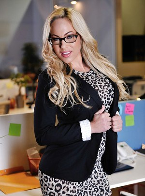 pornpics galleries babe-blonde-olivia-austin-poses-in-the-office-like-a-pornstar