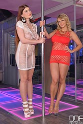 http://ddfbusty.com/preview/21034/a-stripper-s-afterparty-two-voluptuous-girls-shake-big-tits.html