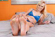 footfetishdaily fhgs pics elaina-raye 224 1805278
