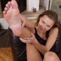 http://feetandlegs.femdomworld.com/06/09/?480