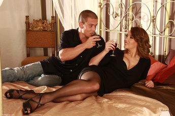 http://fhg.vivthomas.com/2013-10-09/MATT__KITTY/