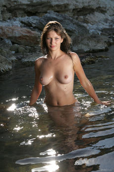 http://fhg.eroticbeauty.com/2013-10-22/NATURAL_BEAUTY_2/