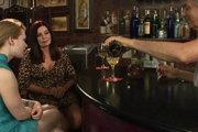 http://www.freepornofreeporn.com/free_video/gallery_017/lesbian/club_sapphic/vgfbcaslda_t220.html