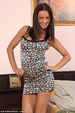 http://galleries.allover30.com/mature/BarbieN/B27IXX/Z02/