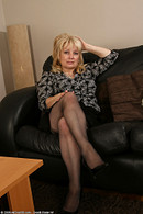 http://galleries.allover30.com/mature/CindyW/qnZUvx/V07/