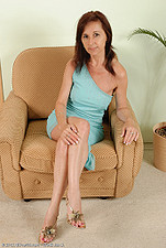 http://galleries.allover30.com/mature/JennyH/B7fp1W/Z02/