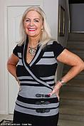 http://galleries.allover30.com/mature/JudyMayflower/JT4aEv/Z01/