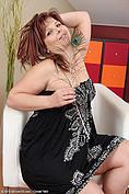 http://galleries.allover30.com/mature/MarieJeanne/kgiqCu/Z06/