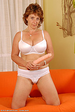 http://galleries.allover30.com/mature/Misti/LUPn45/Z04/