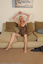 http://galleries.allover30.com/mature/Pam/effocm/Z04/