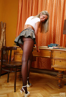 galleries ferronetwork fhg epantyhoseland pictures 5723_2 kelly-luscious-pantyhose-bitch