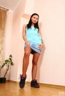 http://galleries.ferronetwork.com/fhg/epantyhoseland/pictures/6035_1/sandra-perfect-pantyhose-babe.shtml