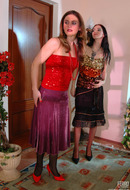 galleries ferronetwork fhg kissmatures pictures 5016_3 martha-judith-lesbian-girl-and-milf