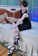 http://galleries.ferronetwork.com/fhg/lacynylons/pictures/5489_1/molly-wearing-lacy-nylons.shtml