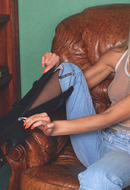 galleries ferronetwork fhg nylonfeetline pictures 006o_2 linda-pretty-nylon-feet-teaser